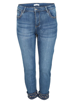 Jeans broderies dans le bas, Denim